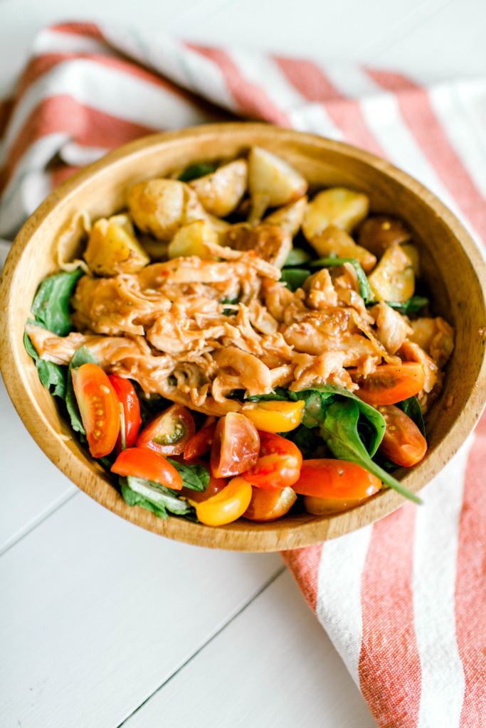 Barbecue Chicken Spinach Salad | read more at happilythehicks.com