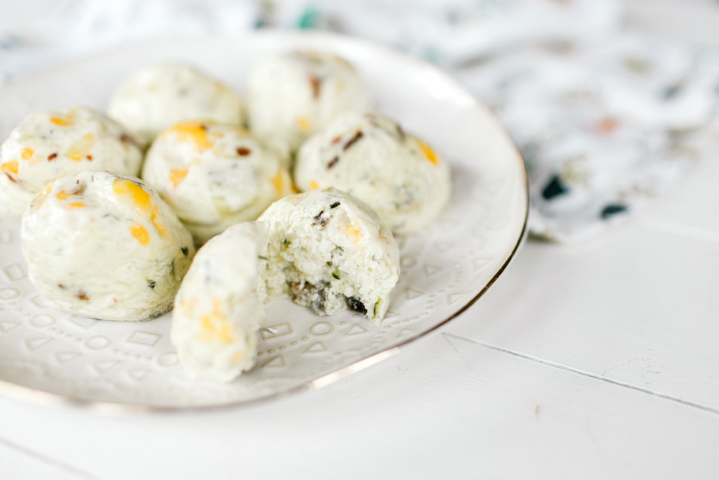Instant Pot Egg Bites (with hidden veggies!) | read more at happilythehicks.com