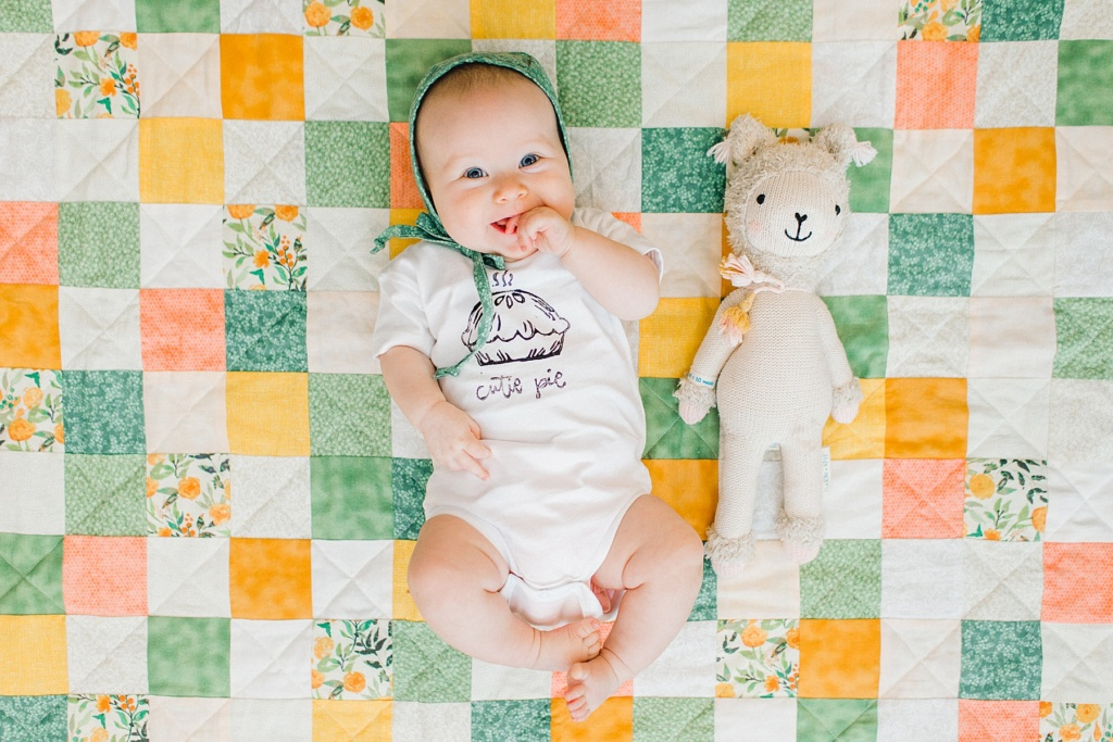 June Elizabeth | Month Four Update | read more at happilythehicks.com
