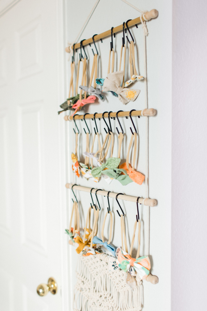 DIY Bow Holders | read more at happilythehicks.com