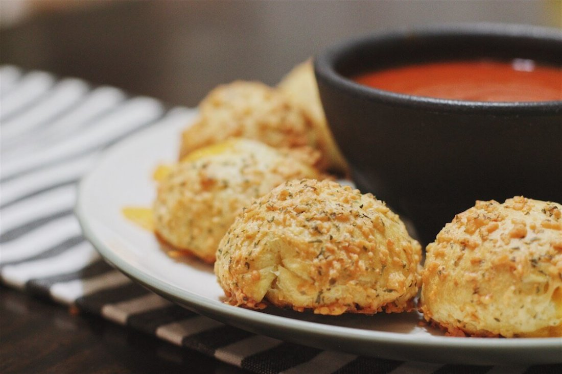 yummy cheesy garlic balls