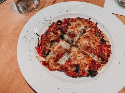 Paisanos'-Eagle-Ridge-Resort-Pizza