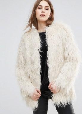 Sélection de manteaux fausses fourrures sur happinesscoco.com