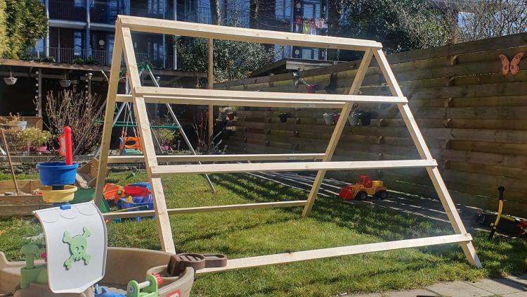 Zelf een simpele tent bouwen