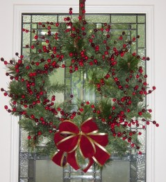 wreath24inchredbowwithberriesJPG