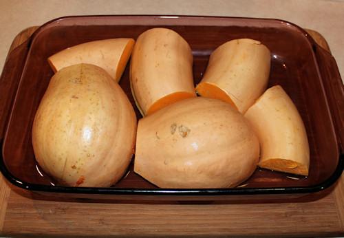 neck pumpkin ready for baking