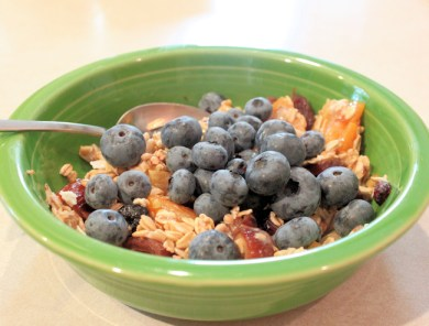 fresh blueberries on Muesli