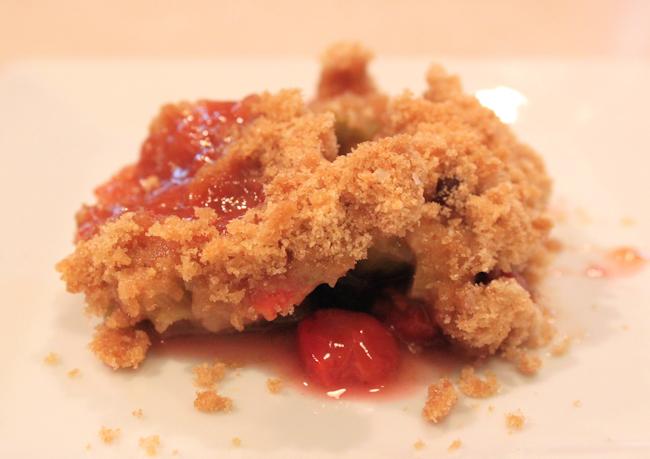 Rhubarb Cherry Crumble