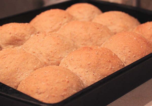Cracked Wheat Dinner Rolls