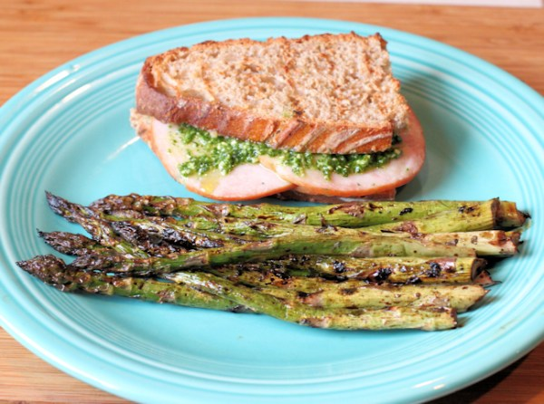 grilled asparagus with sandwhich