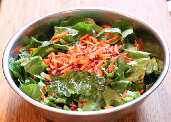 salad with lettuce, spinach and carrot