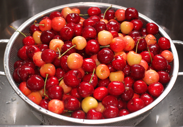 sweet cherries before pitting