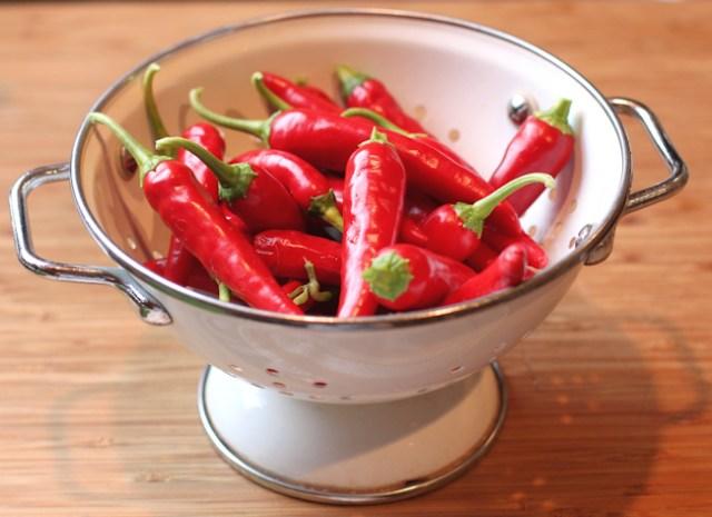 Cayennetta peppers