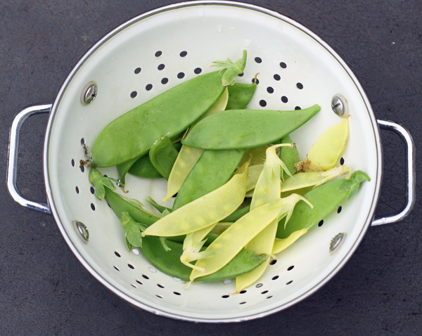mixed snow peas