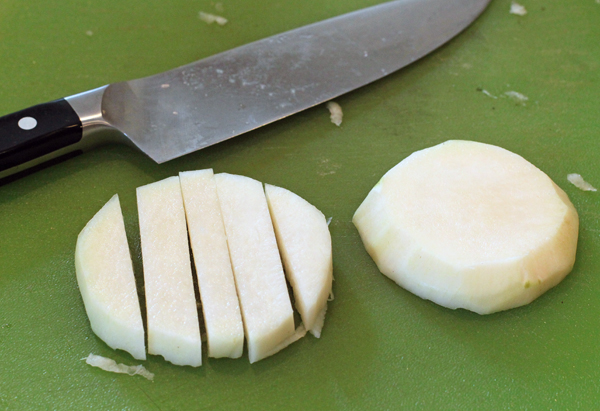 cutting kohlrabi for pickles