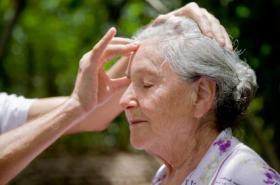 Indian+Head+Massage+for+Elderly