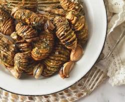 Mini Garlicky Hasselback Potatoes