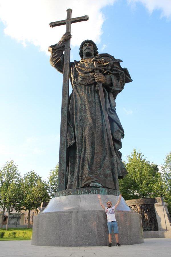 Die Russen lieben überdimensionierte Statuen