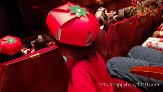 カゴメ劇場 会場レポート カゴメ製品 トマト帽子
