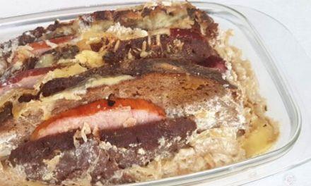 Sauerkraut-Brotauflauf mit Kassler
