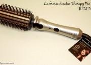Cheveux soyeux avec la Brosse Keratin Therapy de Remington