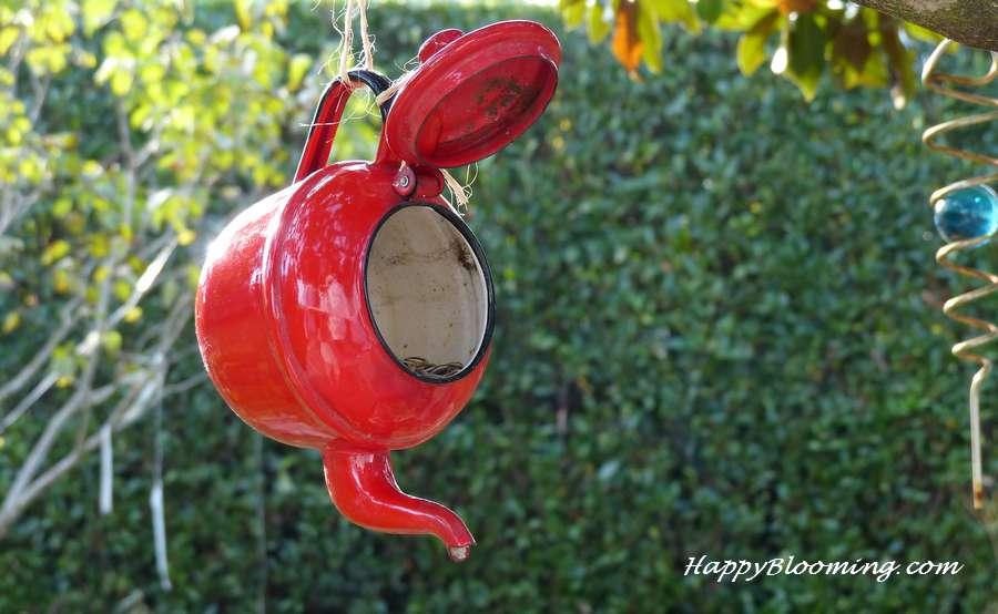 Mangeoire pour petits oiseaux raffinés
