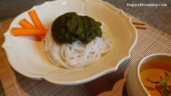 nouilles thaï avec purée de légumes