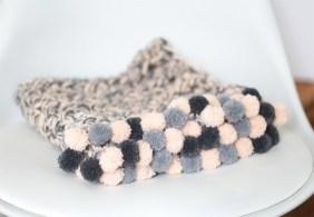 DIY Plaid Pompons au Crochet