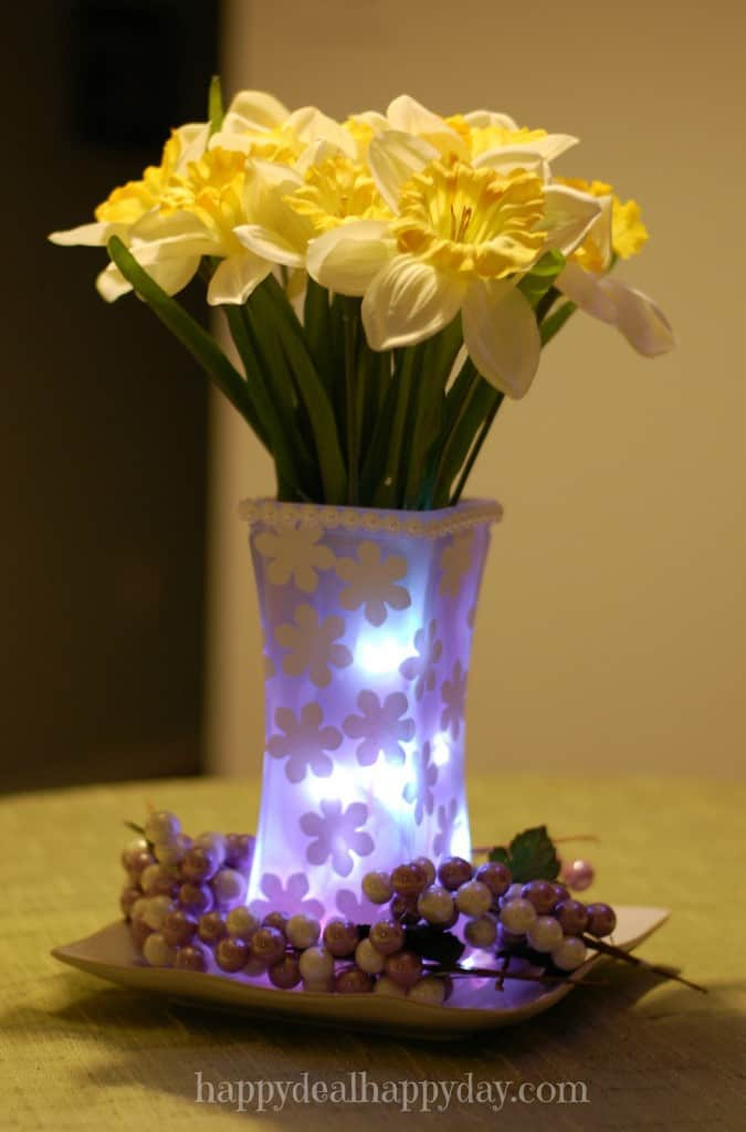Spring Craft DIY Decor Ideas - spring vase with fairy lights