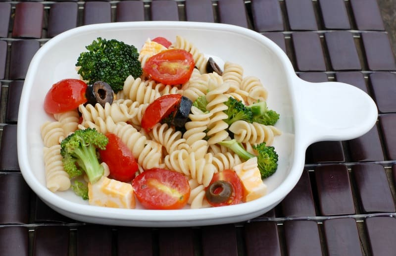 QUICK & EASY Pasta Salad Recipe