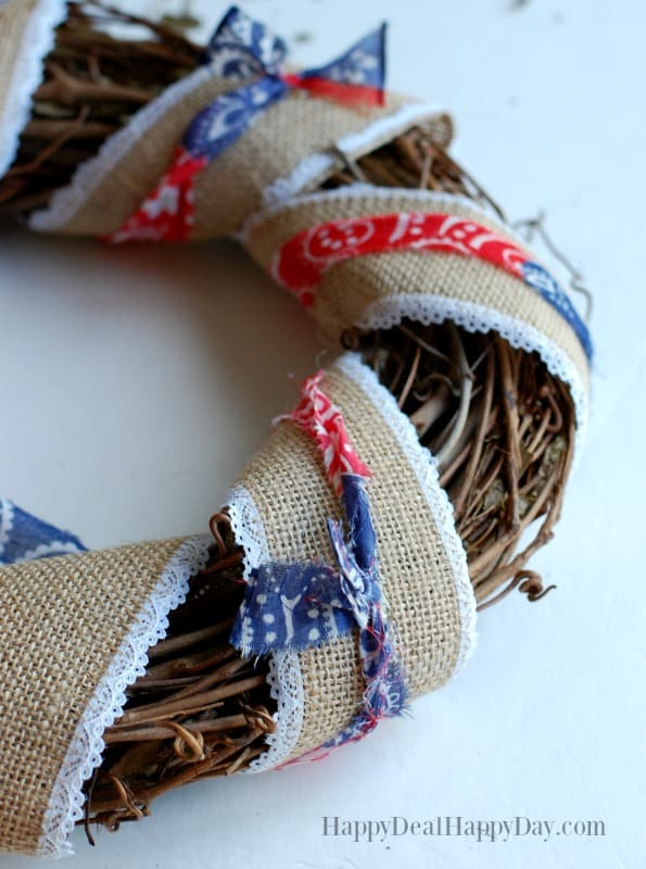 patriotic wreath with burlap and bandannas
