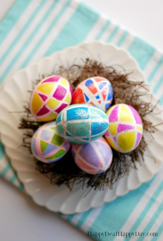 spring craft DIY decor ideas - sharpie and rubberband easter eggs