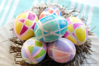 Easter Egg Decorating Idea Using Sharpies & Rubberbands