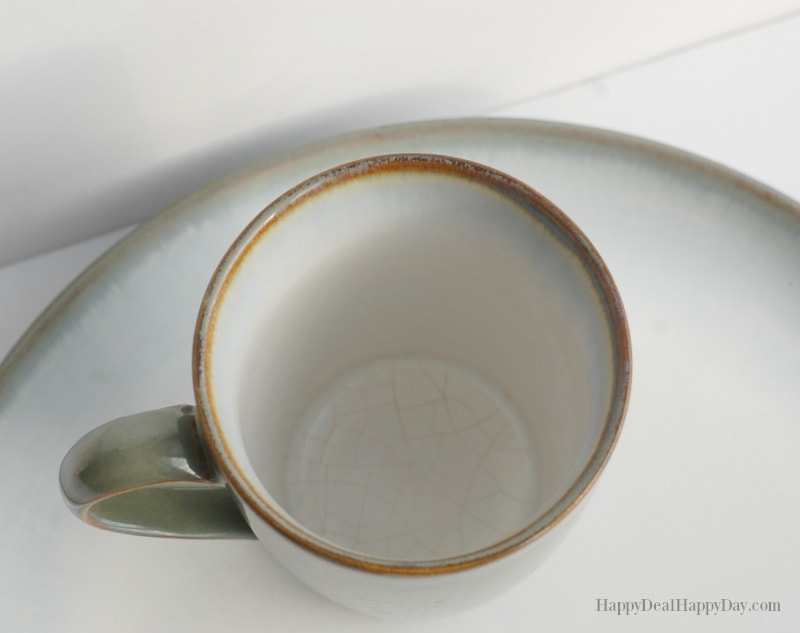 How to Easily Clean Stained Mugs