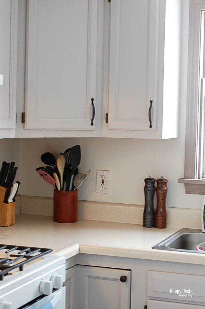 Timeless Home Decor bright kitchen