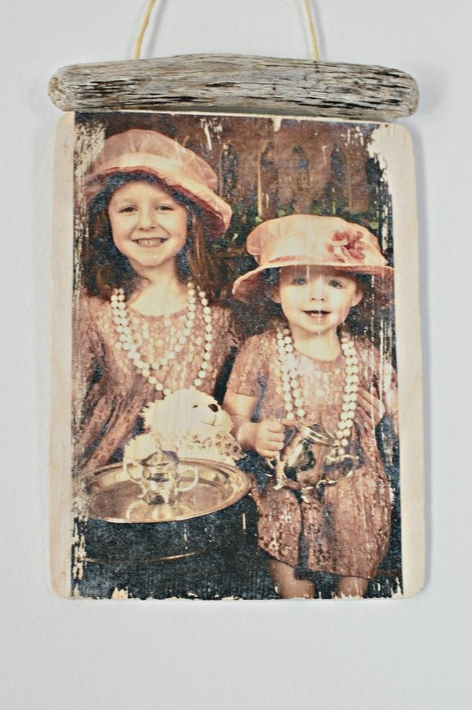 How To Transfer Photos to Wood - DIY Christmas Gift Idea