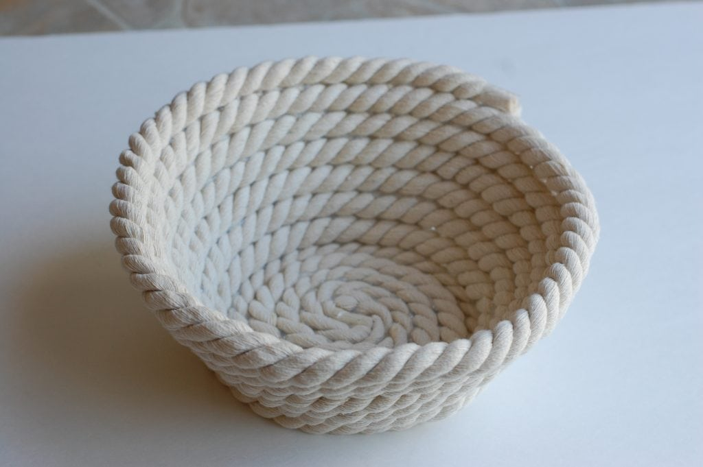 no sew rope bowl to use as gift basket