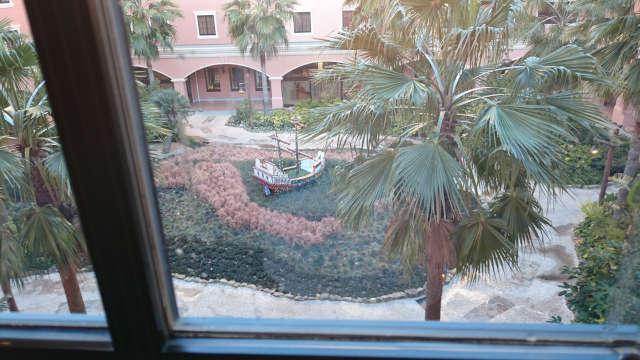 セレブレーションホテル 中庭