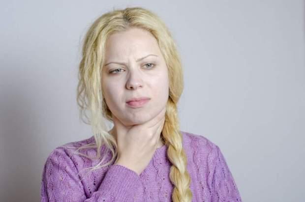 喉から音が鳴る!異音の原因は病気?呑気症の可能性も?