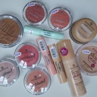 essence update silky touch blush for my face