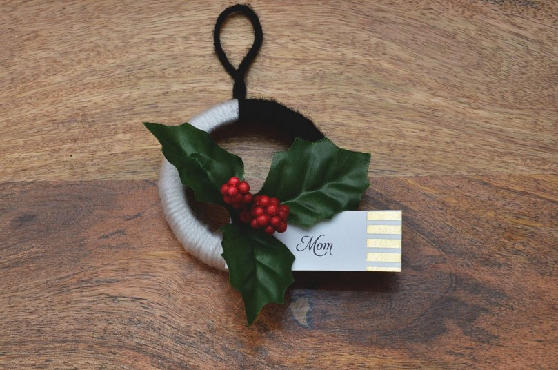 DIY Mini Wreath Tutorial