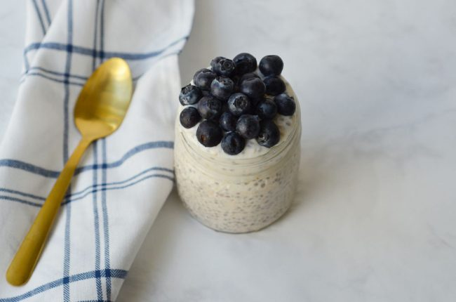 overnight oats with yogurt, overnight oats with milk, overnight oat coconut milk, easy overnight oats, basic overnight oats recipe, recipe with overnight oats, Overnight Oats Recipe, Recipe for Overnight Oats, How to make overnight oats, blueberry overnight oats