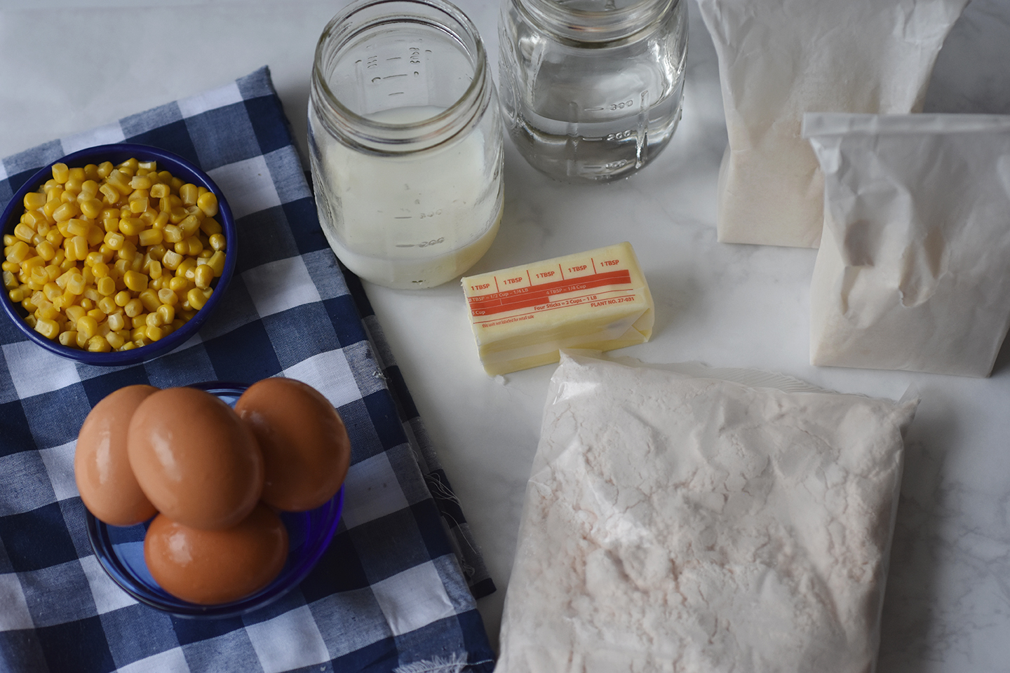 Ingredients for the best sweet cornbread