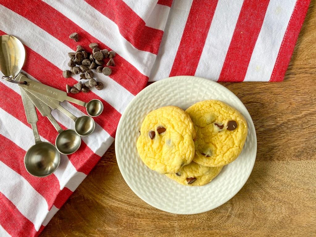 cake mix cookies, cake mix cookie recipe, cookies made with cake mix. cake cookie recipe
