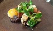 Confit d'oie, champignons et oeuf cuit en basse température