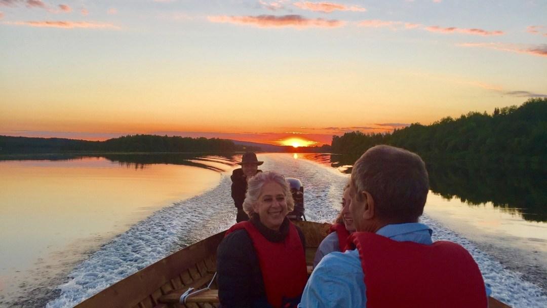 Happy-Fox-Arctic-Nighless-Night-Boat-Trip-Golden-Fox-mid-night-fun-p