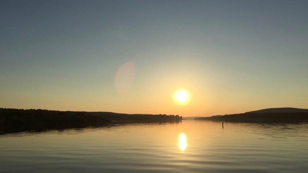 Happy-Fox-Arctic-Nighless-Night-Trip-midnight-sun-on-Ounasjoki-p