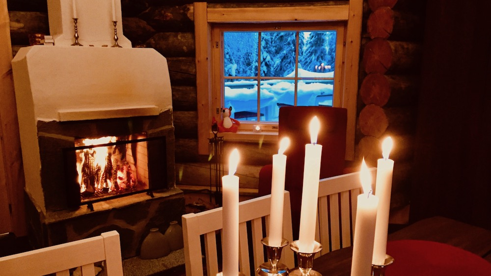 Happy-Fox-Log-Sauna-And-Snack-Winter-fire-place-p