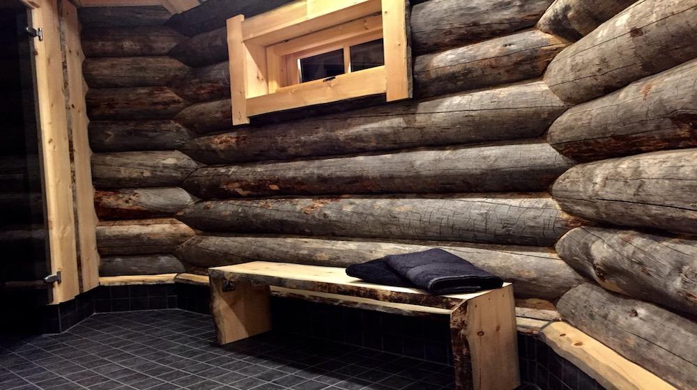 Happy-Fox-Log-Sauna-and-snack-washroom