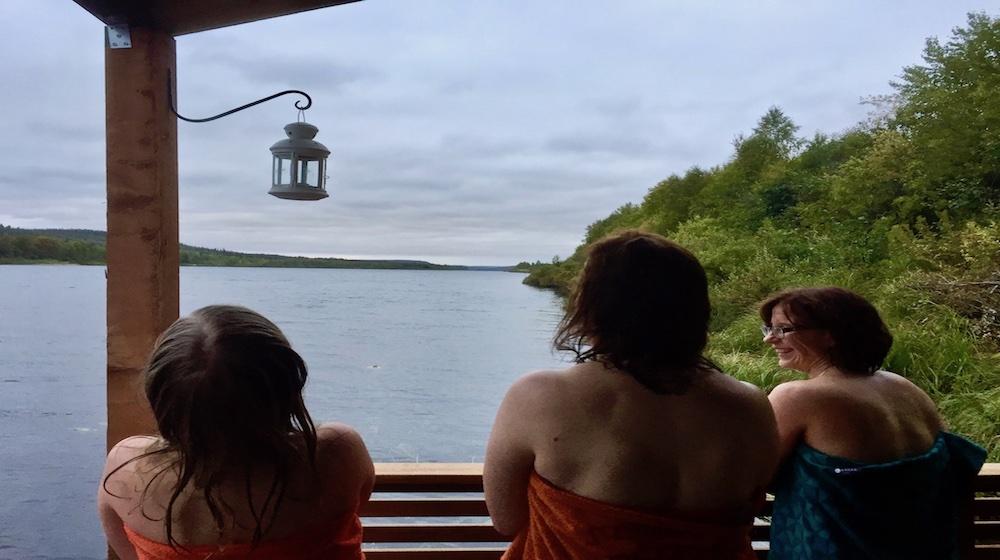 Happy-Fox-Floating-sauna-and-swimming-ladys-sauna